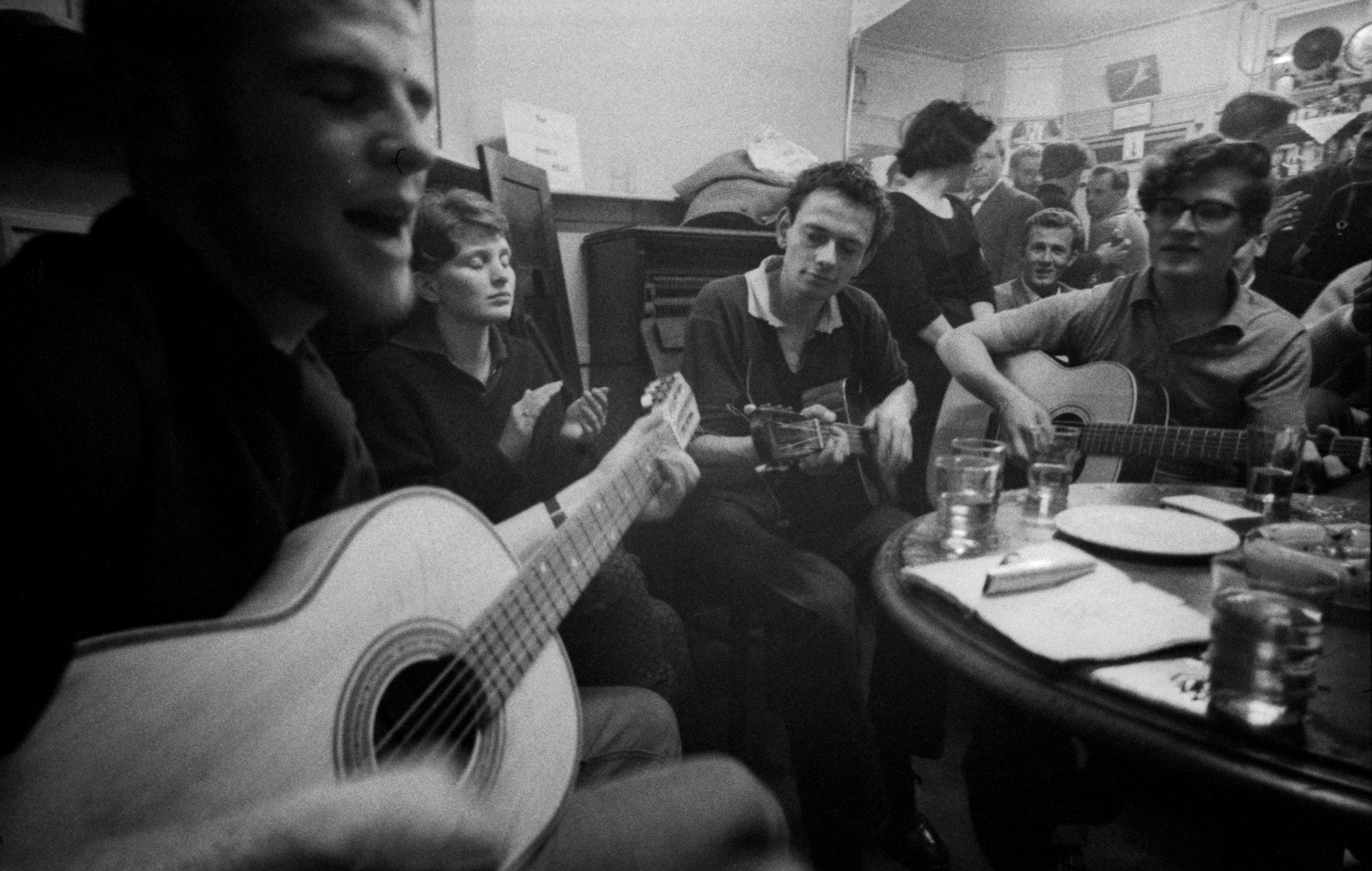 Hoppy Plays Guitar