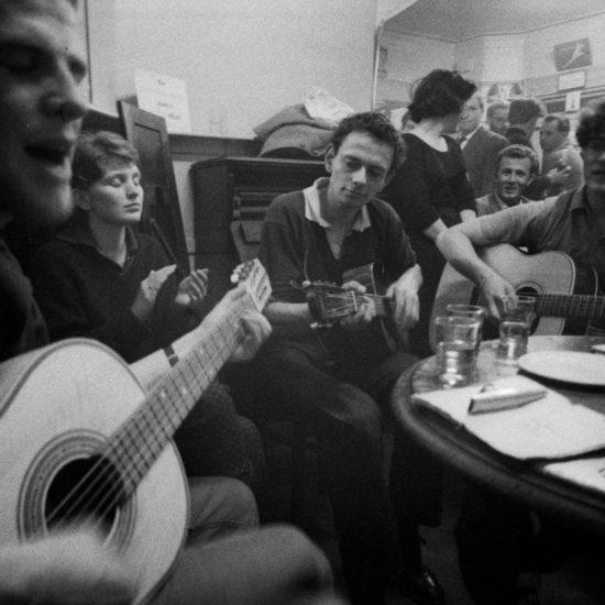 Pub Jam. L-R: Unknown, Nicole Lepsky, John Hoppy Hopkins, Unknown; Oxford, England circa 1961