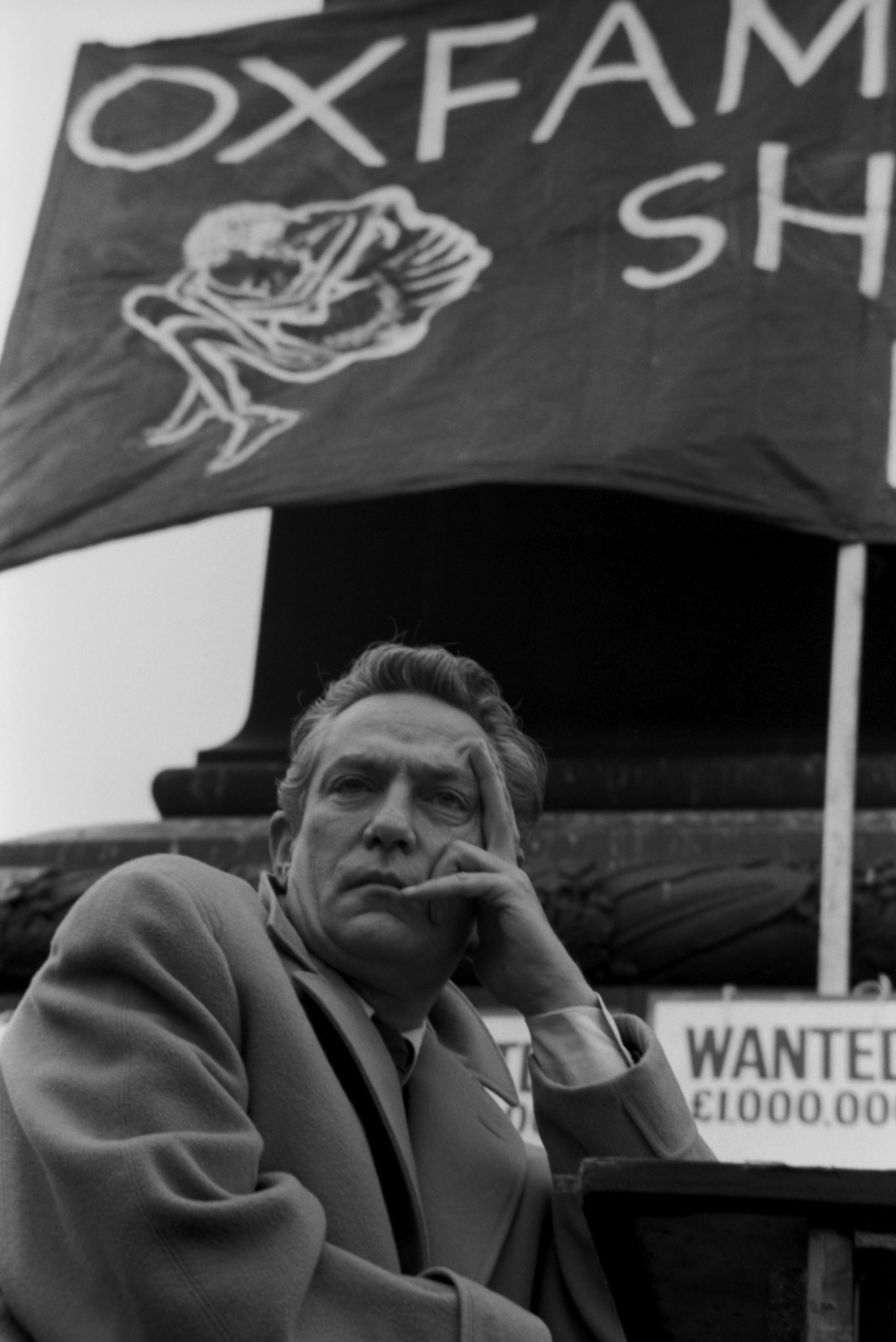 Peter Finch Campaigns For Oxfam